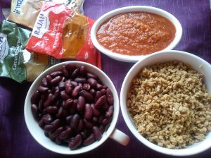 Blended condiments, hydrated soya, kidney beans